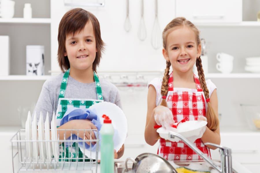 Las tareas del hogar para educar en igualdad de género